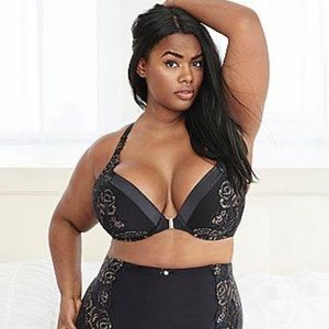 🔥SERIOUSLY SEXY HALTER BOOST FRONT CLOSURE 44C🔥